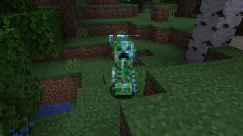 Naturally Charged Creepers Mod Screenshot